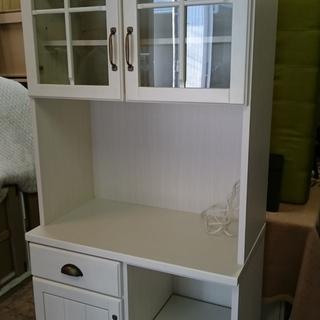 お洒落な ニトリ(NITORI)キッチンレンジボード 食器棚 収納棚 ホワイトの画像