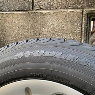 スタッドレスタイヤ 215/65R16