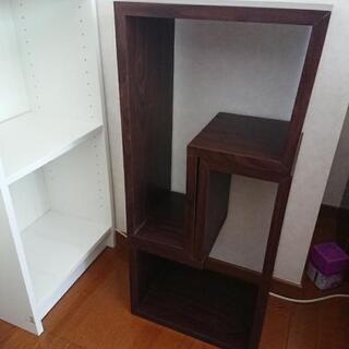 収納棚   2つで1つ 茶色のものです。