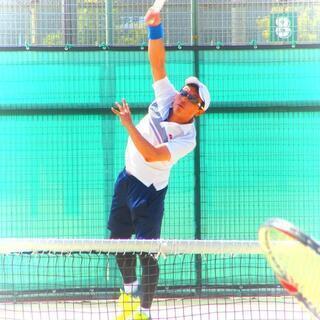 テニスのプライベートレッスンいたします ラケットスタジオエース