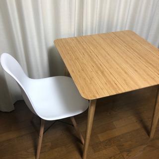 【交渉中】テーブルとイス2脚セット 75×75
