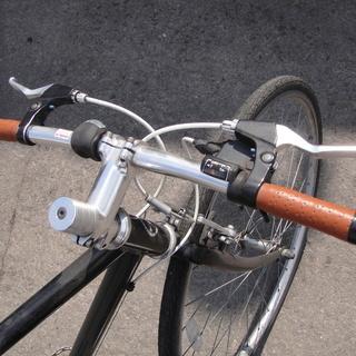 28インチ WEEKEND BIKES ウィークエンドバイクス 7段切替 クロスバイク 自転車 街乗り カギ ライトなし - 自転車