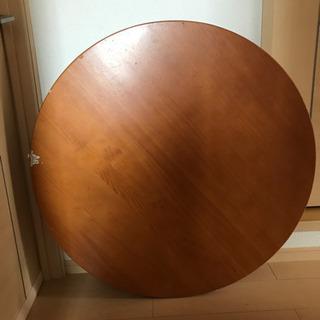 円卓折りたたみ 重厚感あり重たいです