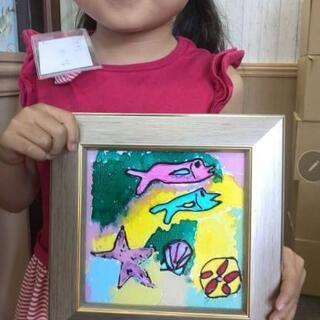 お子様の落描きをステンドグラス風インテリアアートに!