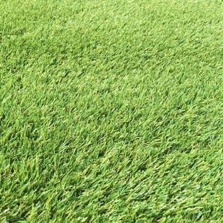 天然芝のようなリアルな人工芝をご自宅のお庭にて施工致します。