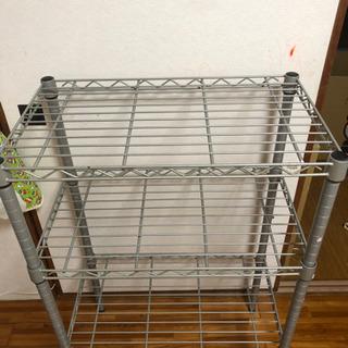 【用途自由のラック1000円!】棚の位置を自由に変えられます!