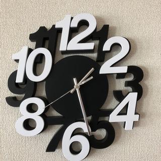 モノクロ時計【無料】