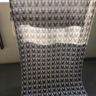 紫外線対策、目隠しに!ミッキー柄日除けカーテンの画像