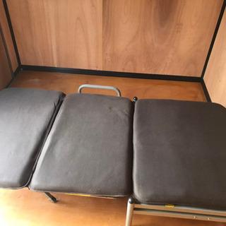 シングルサイズのソファーベッドです!!