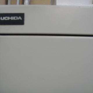 UCHIDA 4人用スチールロッカー 4人用ロッカー 4連ロッカー オフィス 更衣室  - 売ります・あげます