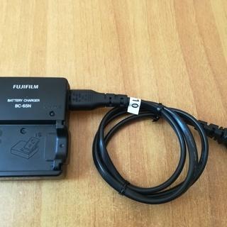 富士フィルム 充電器 BC-65N