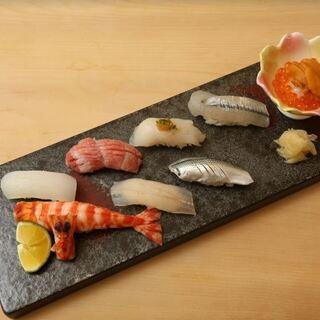 隠れ家的空間でこだわりの寿司を堪能【鮨 けやき 心斎橋】