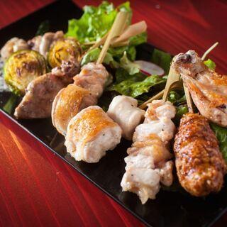 絶品銘柄鶏「高坂鶏」炭火焼で【びすとろ炭火焼 一星】