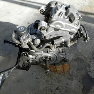 バイク部品 ホンダ シルバーウィング400 取り外し エンジン本体 オーバーホール&部品取り用 中古品の画像
