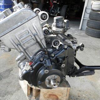 バイク部品 ホンダ シルバーウィング400 取り外し エンジン本体 オーバーホール&部品取り用 中古品 - バイク
