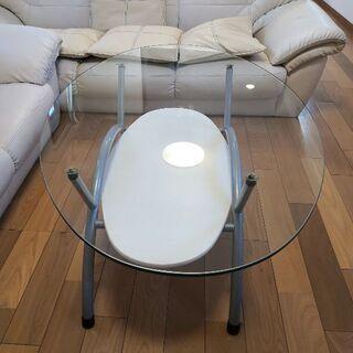ガラステーブルです!