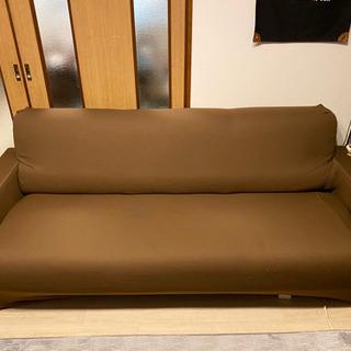 三人掛けソファ 引き取り決定しました。