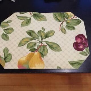 お花柄 テーブルマット4枚セット