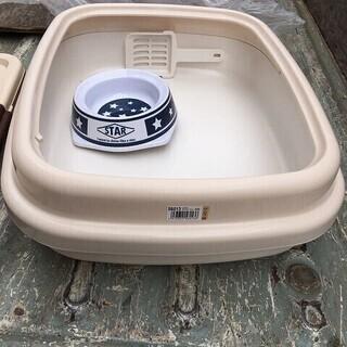 ペット用品 詳細不明 猫 トイレ 餌入れ 水入れ コロル
