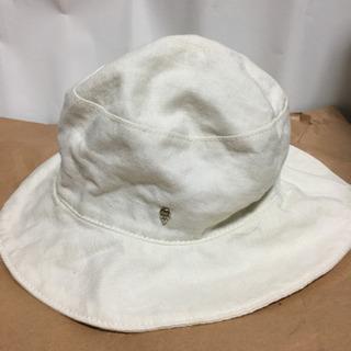 ヘレンカミンスキの帽子