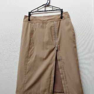 ☆a.v.v.のスカート