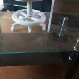 透明テーブルの画像