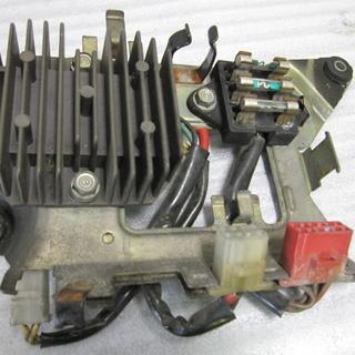 ホンダ CB250N  レギュレーター 中古品
