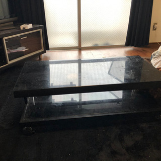 ガラスローテーブル