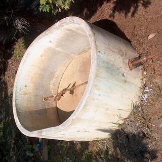 古いものですが・・コンクリート製水槽 (薬剤散布用で使用)