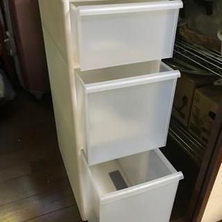 プラ製収納箱