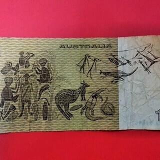 ★★外国の古い紙幣!!オーストラリアの旧1ドル紙幣「エリザベス女王と国章」★★ - 萩市