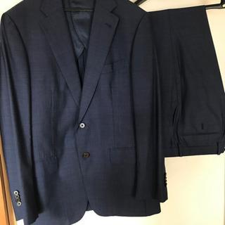 メンズ スーツ 細身 スーツカンパニー 紺色