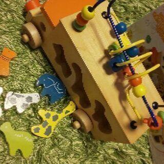〈室内おもちゃ〉アニマルビーズバス(動物の型はめパズル&ビーズ遊...