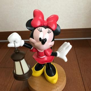 ミニーマウスの置物