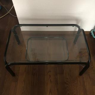 ガラステーブルあげます。