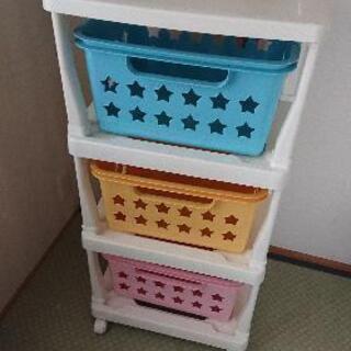子供のおもちゃ棚