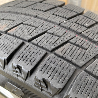 【値下げしました】アルミホイール付きスタッドレスタイヤ4本セット − 青森県