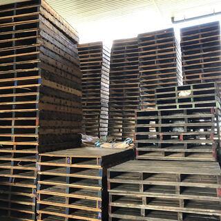 【引き取り限定 特注大型木製パレット】木パレット100枚程度 お...