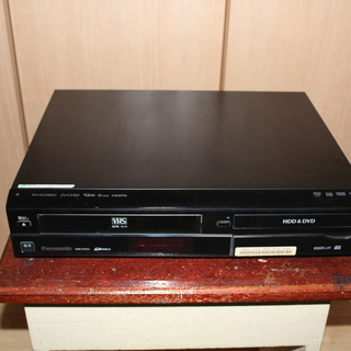 値下げしました。 Panasonic VHS & DVDレコーダー