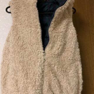 ローリーズファームのリバーシブルベスト - 服/ファッション