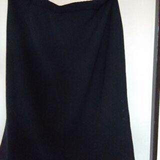 黒のスカート2