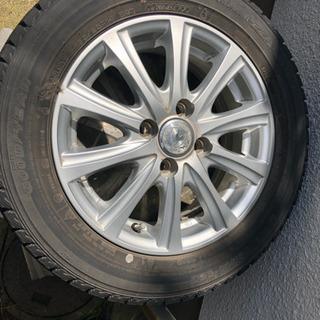 車の雪タイヤ