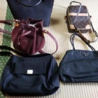 婦人用のバッグ類