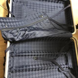 <話し中>大型キャリーケース 赤 ★無料 - 京都市