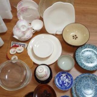 【受渡し お打合せ中】ティーカップ、大皿、ケーキ皿等食器類 取り...