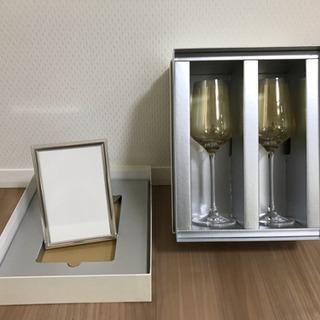 【新品】ワイングラス2脚+写真立てのセット シャンパンにも!
