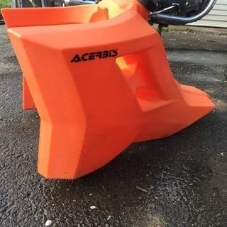 送料無料 中古 Acerbis  ガソリン タンク KTM EXC 08/11  25L オレンジ - バイク