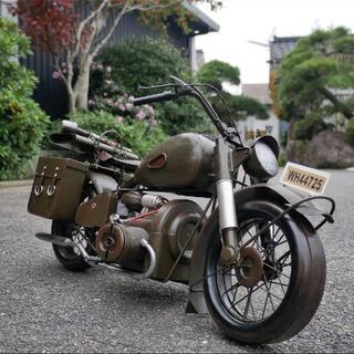 大型のブリキ製 バイク置物