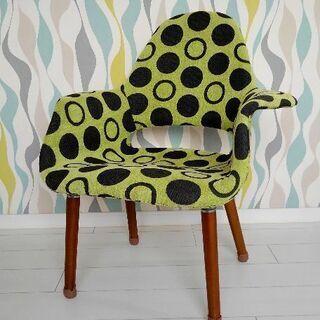 水玉柄 椅子
