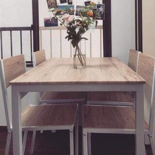 ダイニングテーブル+椅子4つの画像